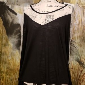 NWT,2/$30🤗 Delicate black top with white lace